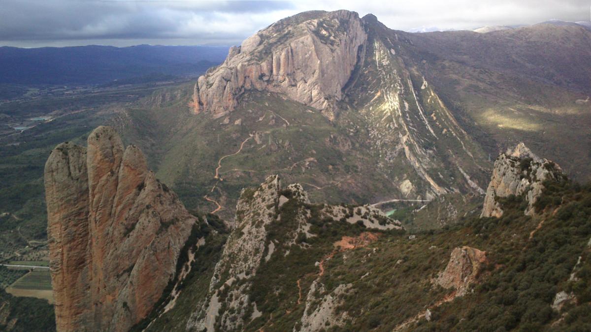 Peña Rueba visto desde lo alto de los Mallos de Riglos